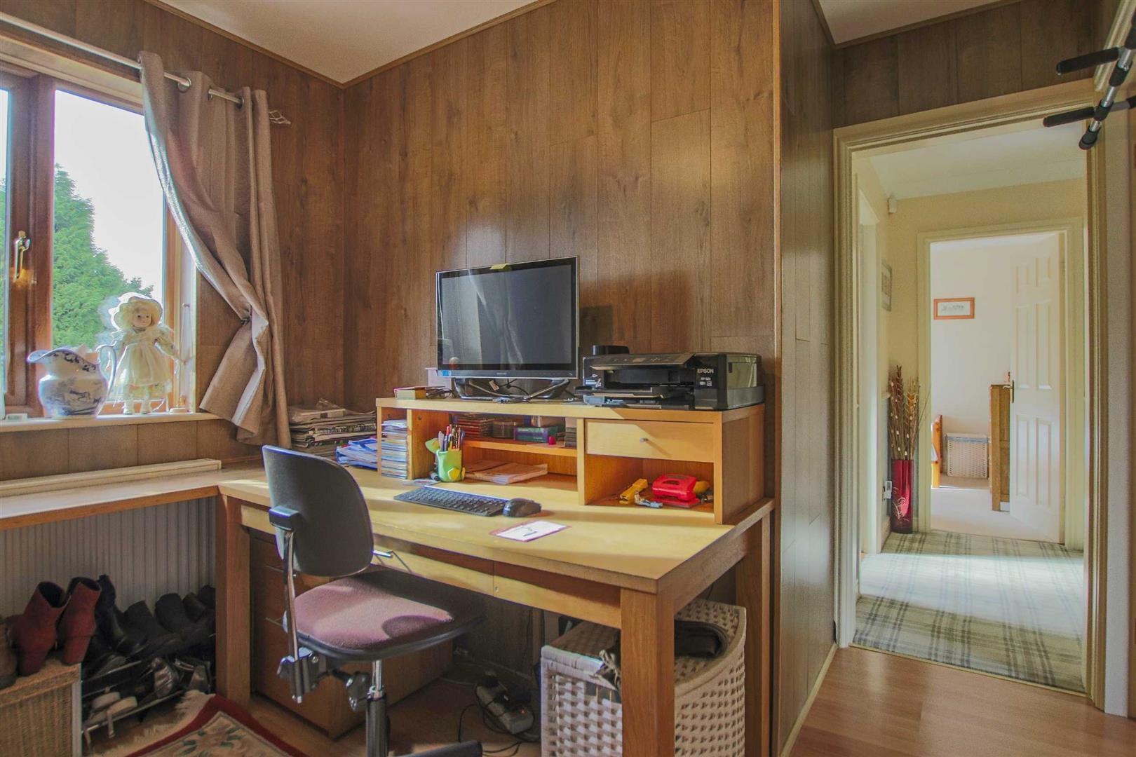 5 Bedroom Detached House For Sale - Image 25